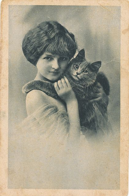 1910 Photo of Lady and her Cat